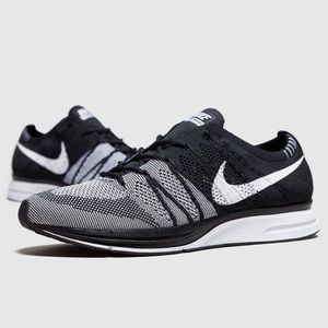 Nike Flyknit Trainer Running Sneakers